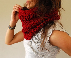 Drop Stitch Cowl by Abi Gregorio