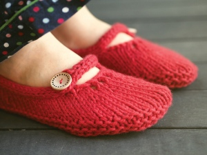 Not-so-tiny slippers by Ysolda Teague