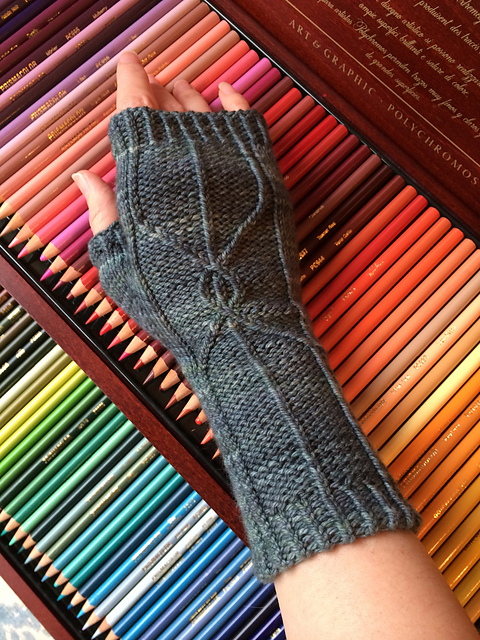 Here are Izamight's Epiphany Mitts where she first tried magic loop!