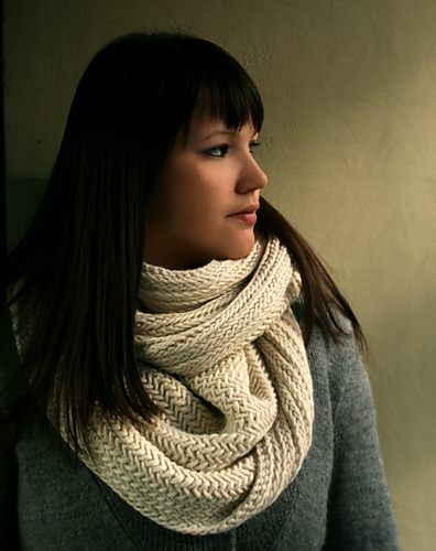 drift-big-herringbone-cowl